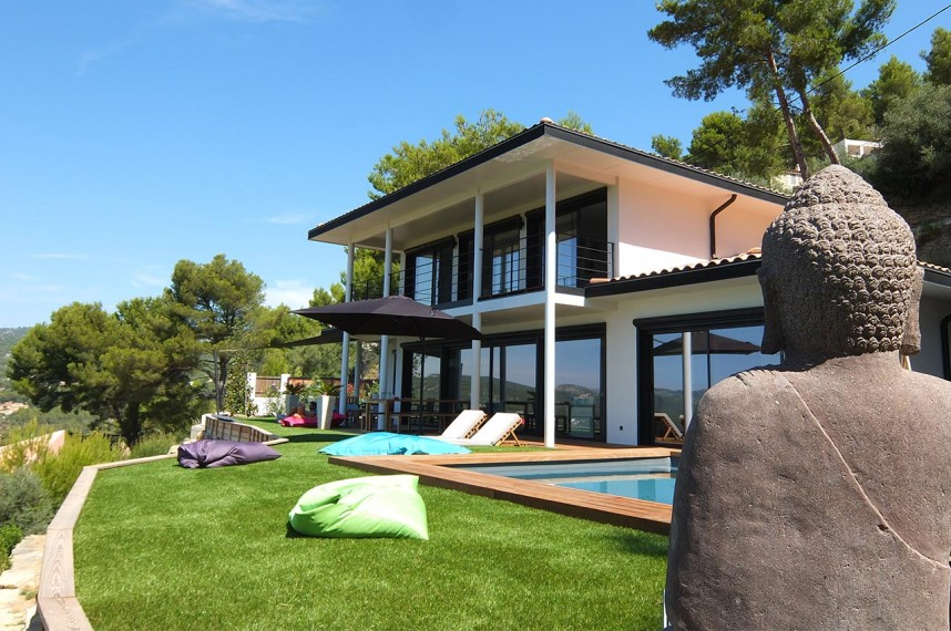 l art du jardin et l 39 am nagement en pelouse synth tique. Black Bedroom Furniture Sets. Home Design Ideas
