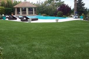 Création en pelouse artificielle : Pelouse ombragée