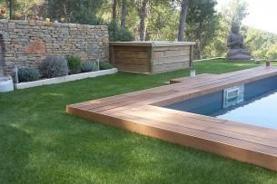 Création en pelouse artificielle : Encadrement de piscine