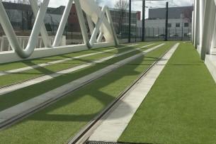 Création en pelouse artificielle : Gazon synthétique ligne de Tramway