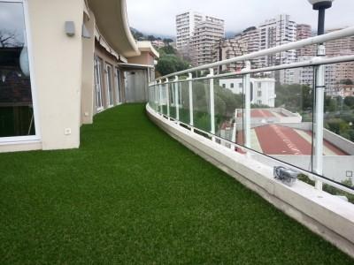 r alisation azurio du gazon artificiel pour votre terrasse. Black Bedroom Furniture Sets. Home Design Ideas