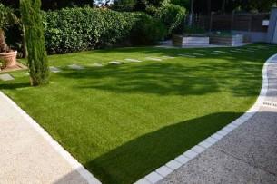 Création en pelouse artificielle : Achat et pose de gazon synthétique Français dans les Alpes de Hautes-Provence