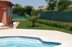 Création en pelouse artificielle : Achat et pose de gazon synthétique à Miramas