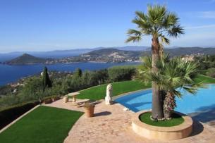 Création en pelouse artificielle : Votre gazon synthétique à Fréjus