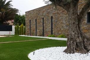 Création en pelouse artificielle : Achat et pose de gazon synthétique à Saint-Laurent-du-Var