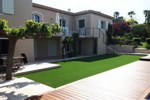 Création en pelouse artificielle : Achat et pose de gazon synthétique dans l'Hérault