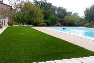 Création en pelouse artificielle : Achat et pose de gazon synthétique dans l'Aude
