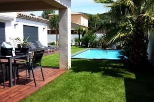 Création en pelouse artificielle : Achat et pose de gazon synthétique dans le Gard