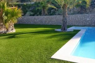 Création en pelouse artificielle : Achat et pose de gazon synthétique à Berre-l'Étang