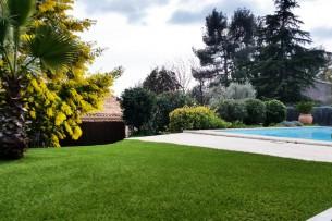 Création en pelouse artificielle : Achat et pose de gazon synthétique à Gardanne