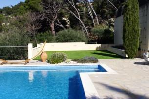 Création en pelouse artificielle : Achat et pose de gazon synthétique à Sainte-Maxime