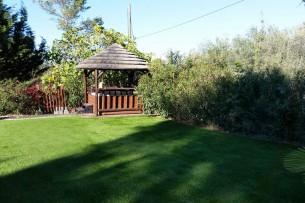 Création en pelouse artificielle : Achat et pose de gazon synthétique à Solliès-Pont
