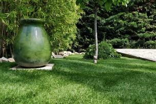 Création en pelouse artificielle : Votre gazon synthétique français, livré, posé à Aigremont.