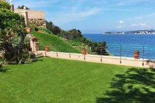Création en pelouse artificielle : Votre gazon synthétique Français à Villeneuve-Loubet