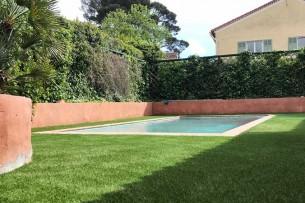 Création en pelouse artificielle : Installation de votre gazon artificiel à Frontignan dans l'Hérault