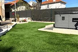 Création en pelouse artificielle : Acheter un gazon artificiel à Rennes et en Bretagne