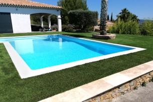 Création en pelouse artificielle : Achat et pose de gazon synthétique à Nîmes dans le Gard (30)